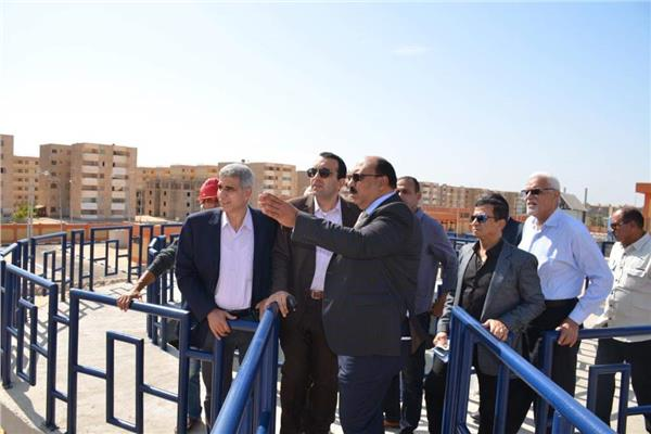 نائب محافظ الاسماعيلية يتفقد التشغيل التجريبى لمحطة مياه الشرب بمدينة المستقبل
