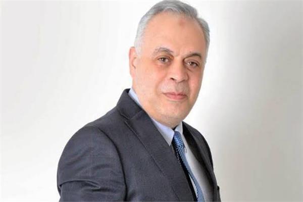 الفنان الدكتور أشرف زكى