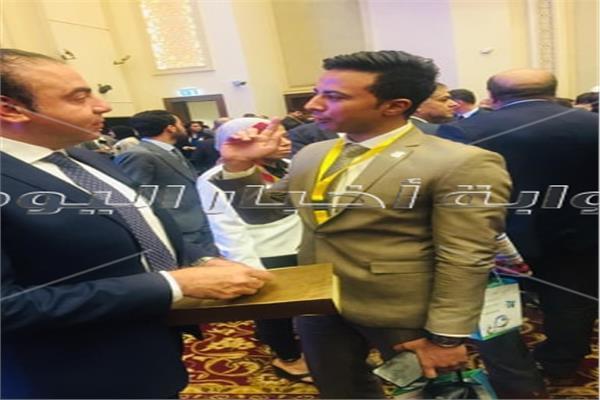 محرر بوابة أخبار اليوم أثناء حواره مع أشرف دوس