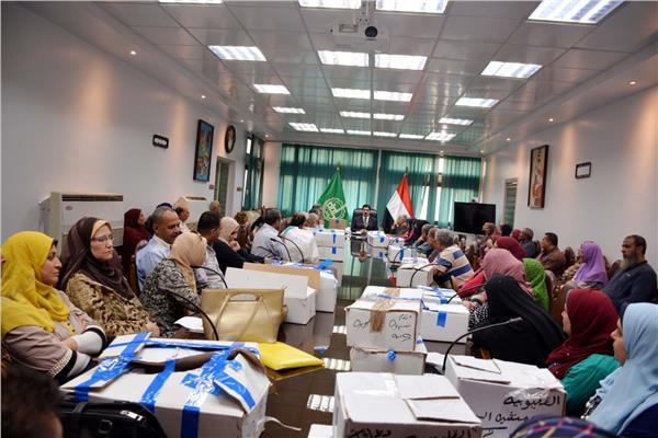 محافظ القليوبية: توزيع فيزا تكافل وكرامة على 25 ألفا و212 مستفيدا