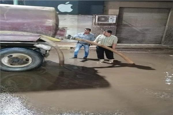 سيارات شفط المياه من شوارع