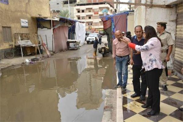 محافظ دمياط تتابع إزالة أثار الأمطار ميدانيا