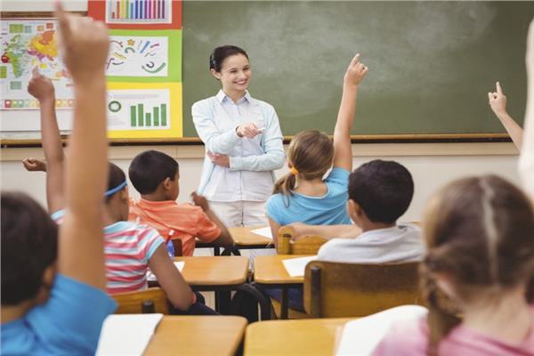 «غير التربويين» خطر يهدد جيل المستقبل في مدارس مصر
