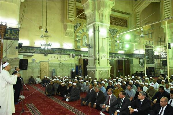 الشرقية تحتفل بالمولد النبوي بمسجد الفتح بالزقازيق