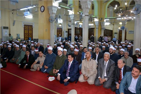 محافظ القليوبية يشهد احتفالية الأوقاف بالمولد النبوي الشريف بمسجد ناصر بمدينة بنها