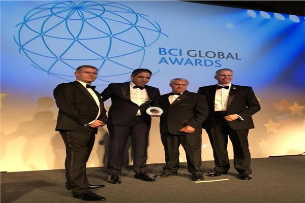 خاص| أول تعليق من المصري الفائز جائزة استشاري العام على مستوى العالم