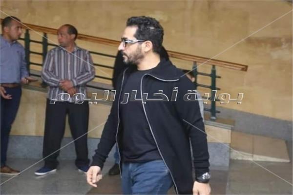 أحمد حلمي في عزاء والد أكرم حسني