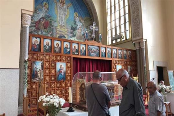 كاتدرائية القيامة تستقبل رفات القديسة تريزا الطفل يسوع
