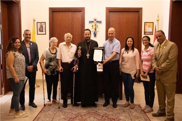 الانبا باخوم يستقبل جمعية الشباب الكاثوليكى