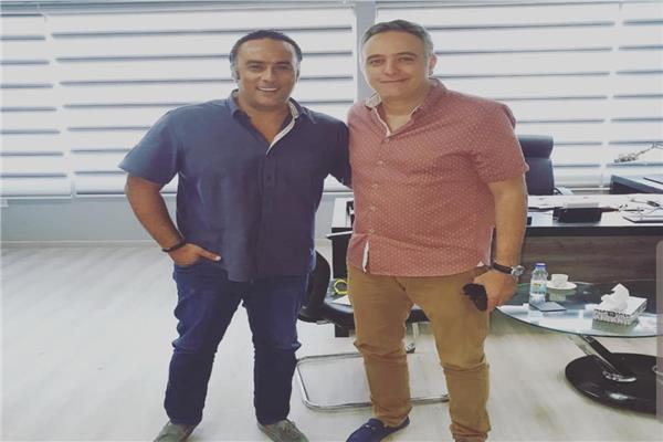 محمد حفظي رئيس مهرجان القاهرة السينمائي مع منتصر النبراوي رئيس «تذكرتي»