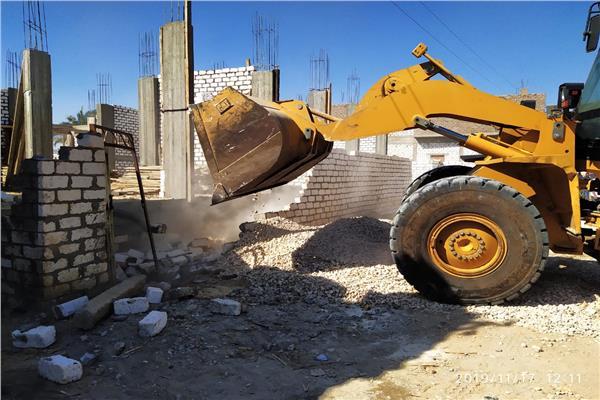 محافظ قنا: إزالة 21 حالة تعدٍ على أملاك الدولة بدشنا