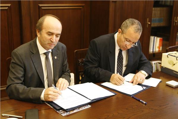 """الدكتور السيد الشرقاوي رئيس جامعة السويس بروتوكول تعاون مع الجامعة التقنية """"بكلوج"""