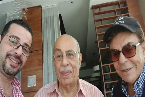 الدكتور مفيد شهاب ضيف سمير صبري على «موجات الأغاني»