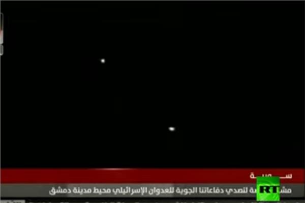 القذائف الاسرائيلية  لحظة سقوطها على مواقع عسكرية سورية