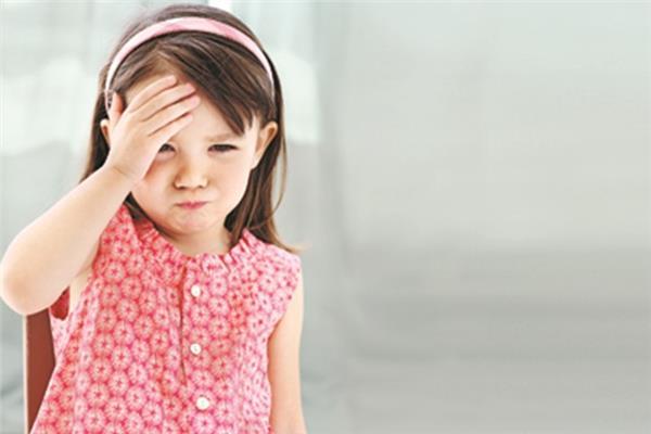 تعرفي على أعراض إصابة طفلك بـ«الصداع»