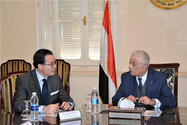 وزير التربية والتعليم يلتقى سفير فرنسا بالقاهرة لبحث أوجه التعاون المشترك في مجال التعليم