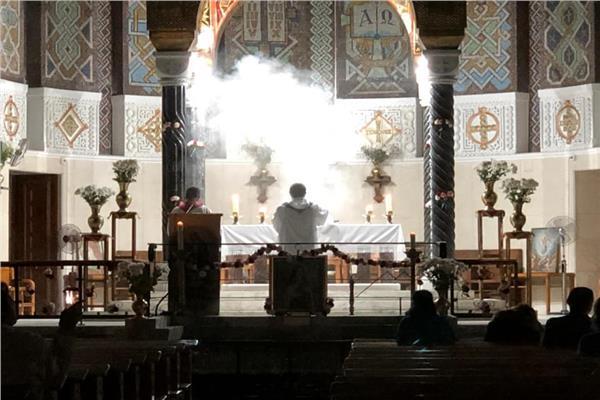ساعة سجود أمام القربان المقدس