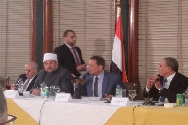 وزير الأوقاف د.محمد مختار جمعة خلال الجلسة