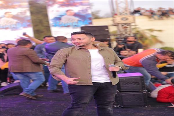 حماده هلال يتألق في جامعة المنصورة