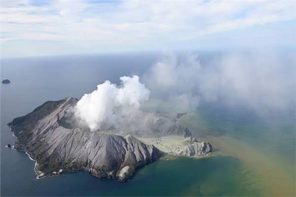 ارتفاع حصيلة ضحايا بركان «وايت أيلاند» بنيوزيلندا إلى 5 قتلى
