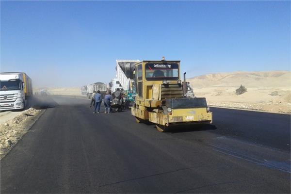 طريق قنا - الأقصر الصحراوي
