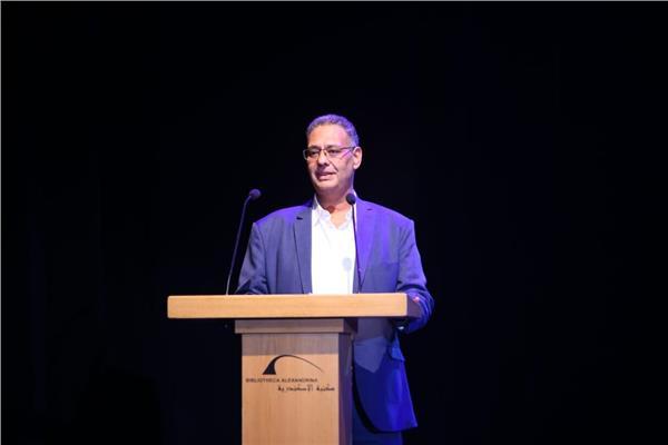الدكتور علاء عبدالعزيز