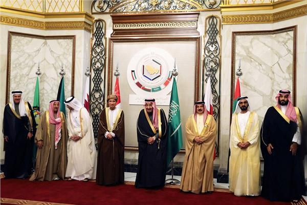 صورة لقادة القمة الخليجية من رويترز
