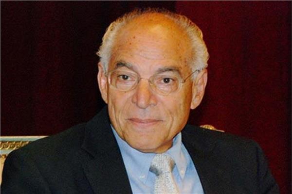 د.فاروق الباز