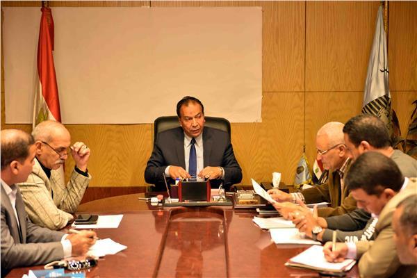 السكرتير العام للأقصر يتابع تنفيذ منظومة تقنين أراضي الدولة