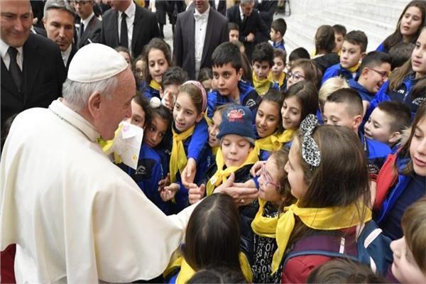 البابا فرنسيس يلقى اجتماعه الاسبوعى بالفاتيكان