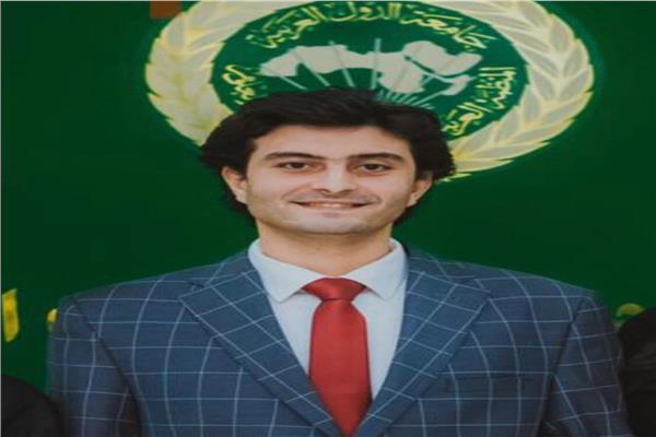 أحمد صفوت مبارك عضو تنسيقية شباب الأحزاب والسياسيين