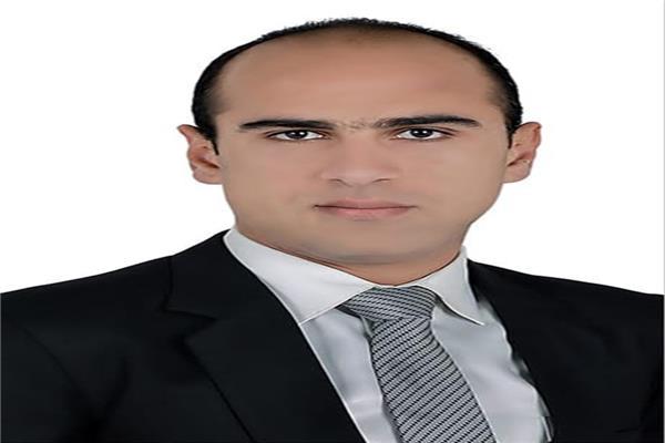 عمرو يونس