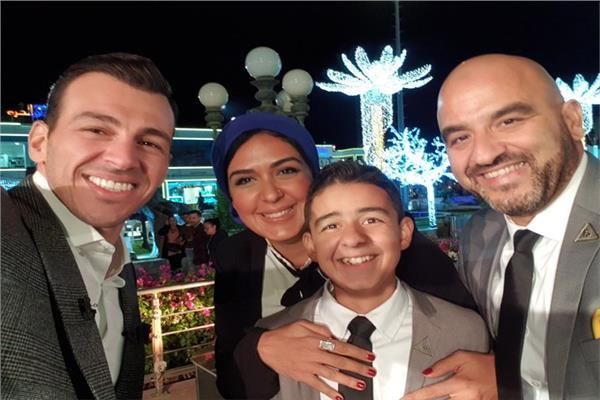 رامي رضوان يوجه رسالة شكر لأسرة الطفل «زين» محارب السرطان