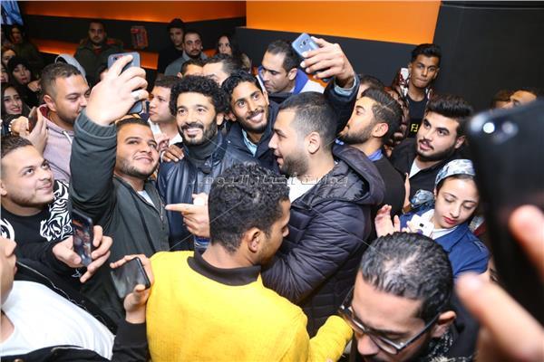خالد النبوي يشاهد «يوم وليلة» مع الجمهور
