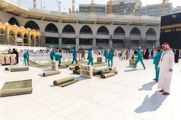 شؤون الحرمين  تستبدل سجاد المسجد الحرام   بوابة أخبار اليوم الإلكترونية