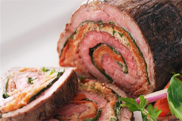 طبق اليوم.. «رول اللحم بالخضروات» على الطريقة الأوروبية