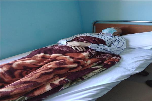 محافظ البحر الأحمر يتفقد «مرسى علم» وينقذ عاملا أضرب عن الطعام