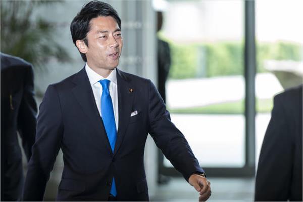 وزير البيئة الياباني شينجيرو كويزومي