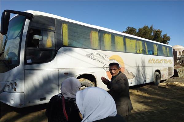 إنقاذ 48 شخصا باتوبيس سياحى عالق بمنطقة جبل الموتى