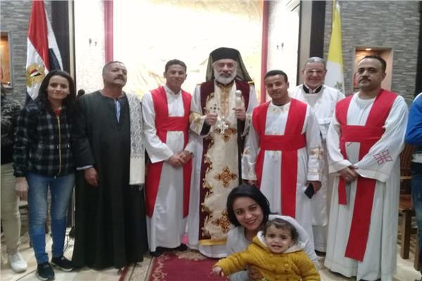 الأنبا باسليوس يحتفل بعيد الغطاس المجيد