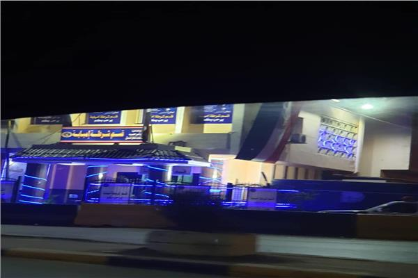 قسم شرطة إمبابة يتزين بالإضاءة والأعلام
