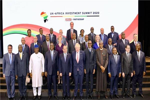 الرئيس السيسي ورئيس وزراء بريطانيا والمشاركون في القمة