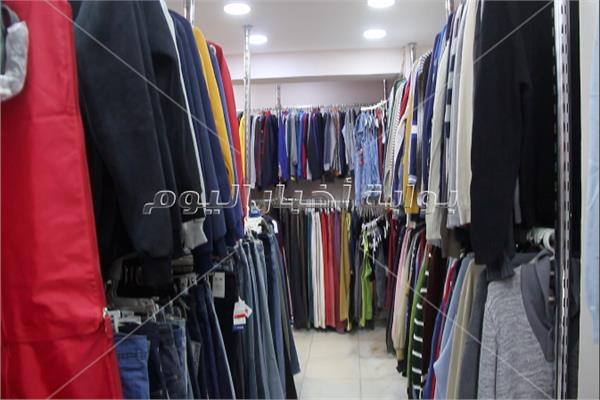 بأرخص الاسعار .. «الأستوكات» الأوروبية تتفوق على ملابس «البالة»