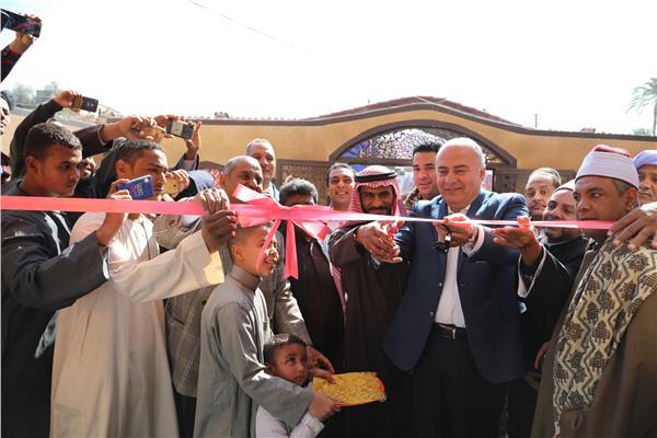 محافظ قنا يفتتح أعمال احلال وتجديد المسجد الجديد بقرية الشيخ علي شرق