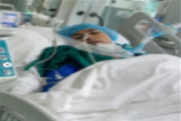 صورة متدالة لدانة الحيدر في المستشفى