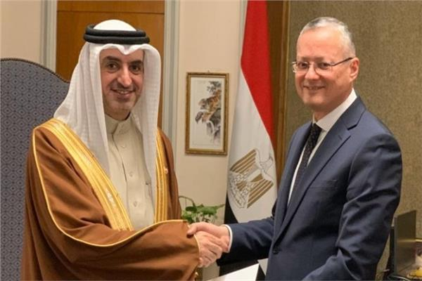 السفير هشام بن محمد الجودر مع حاتم تاج الدين مساعد وزير الخارجية لشؤون المراسم