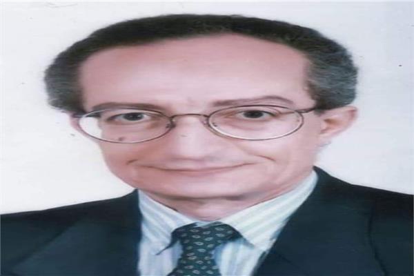 عالم المصريات الكبير الدكتور على رضوان عميد كلية الاثار الأسبق ورئيس اتحاد الاثريين العرب