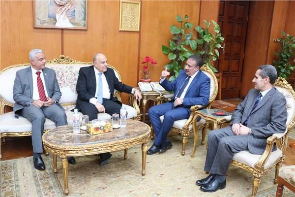 مباركيستقبل محافظا الغربية والمنوفية ورئيس جامعة طنطا