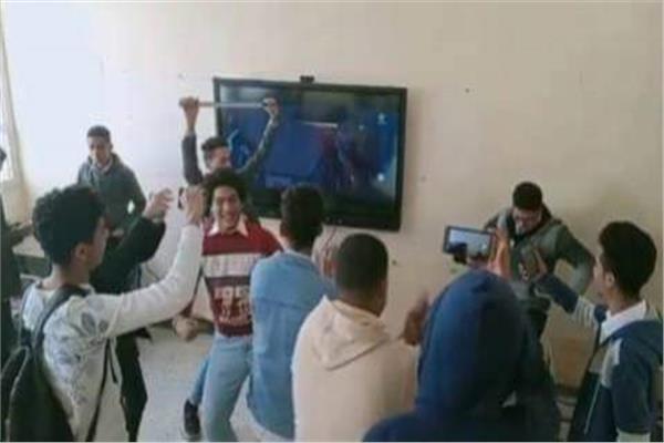 واقعة رقص الطلاب على اغانى محمد رمضان