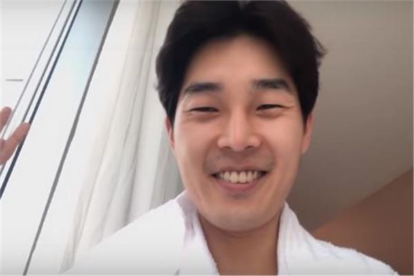 الشاب الكوري «لي سيونج يونغ»
